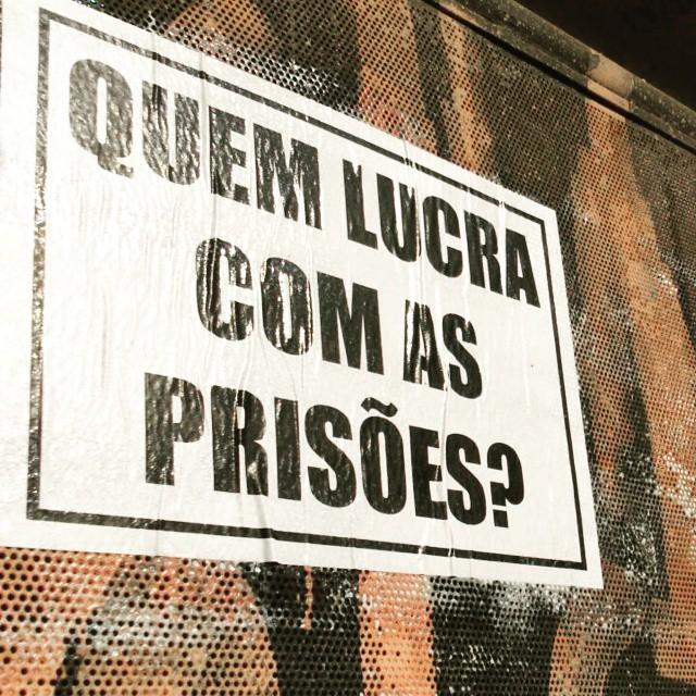 Quem lucra com as prisões?