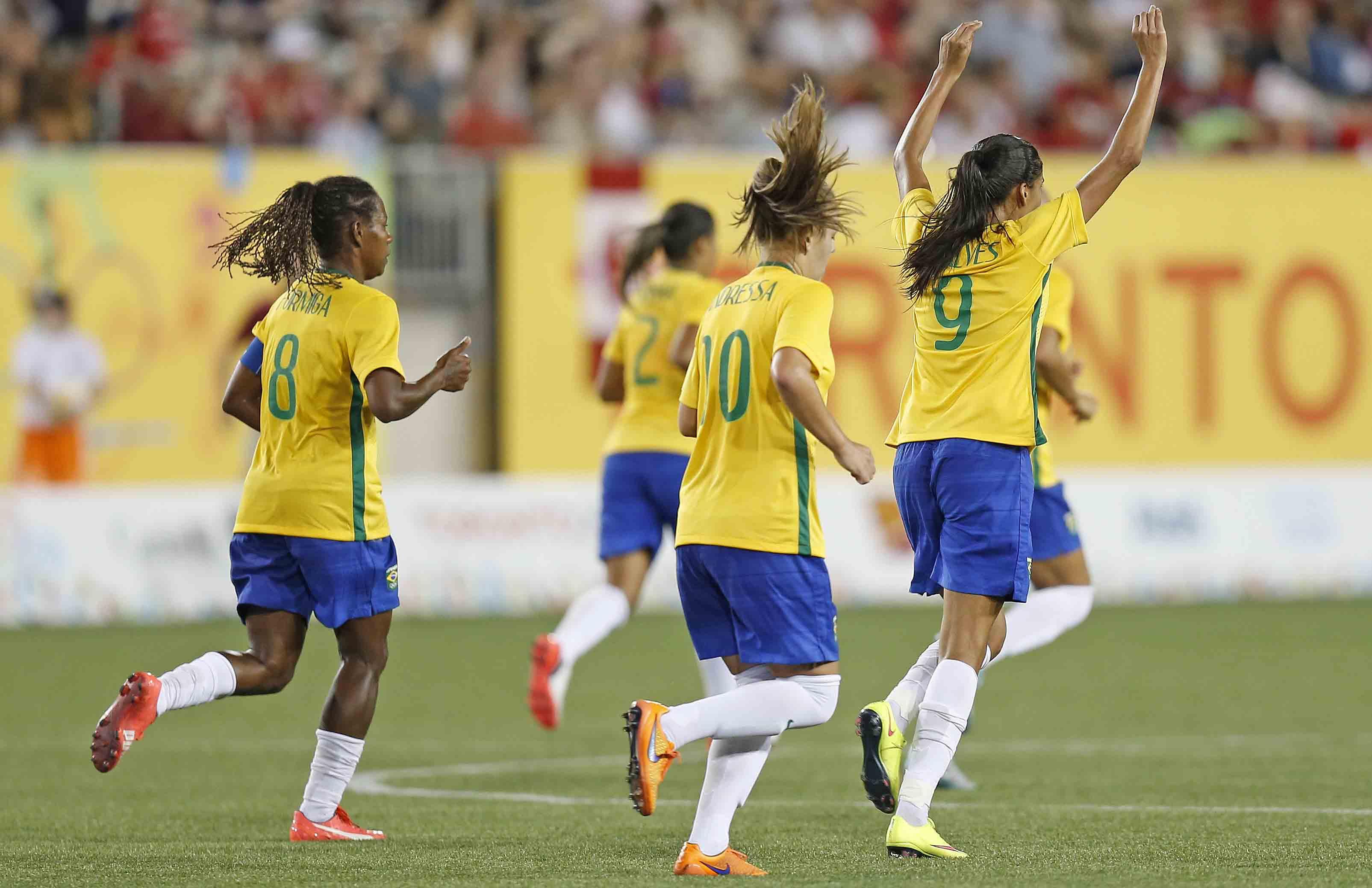 Mulher-gol: o que está errado com o futebol feminino do Brasil?