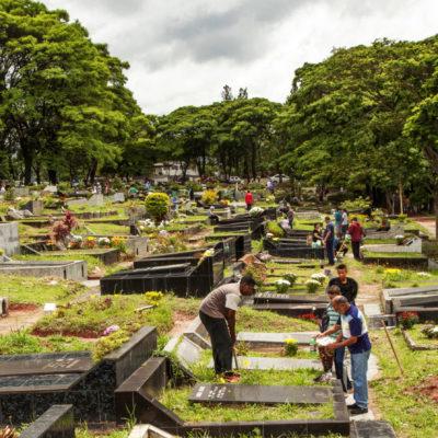 Serviço Funerário de SP exonera 40 mas mantém chefe acusado de vender liminares