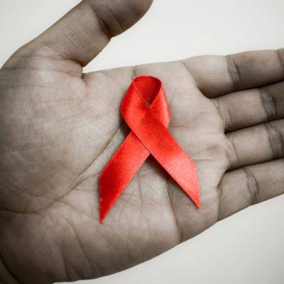 AIDS volta a crescer entre jovens e gestantes no Brasil