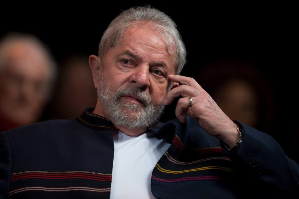 NY Times: Democracia brasileira caminha para o abismo