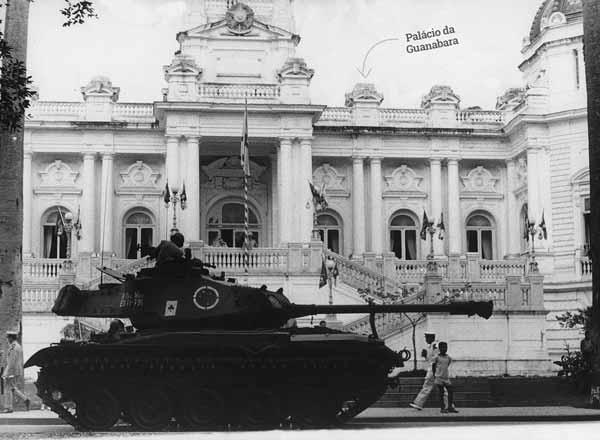 Tropas protegem palácio da guanabara